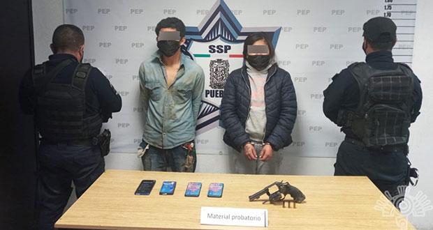 Detienen a dos por asalto a Coppel en Amozoc
