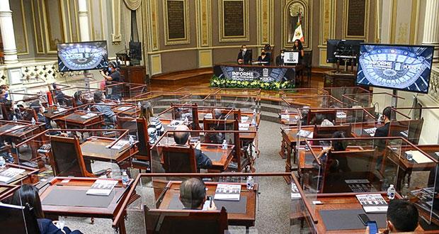 Entre halagos y sin oposición, último informe del Congreso de Puebla