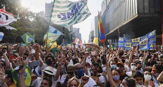 Exigen destituir a Bolsonaro por corrupción y manejo de Covid