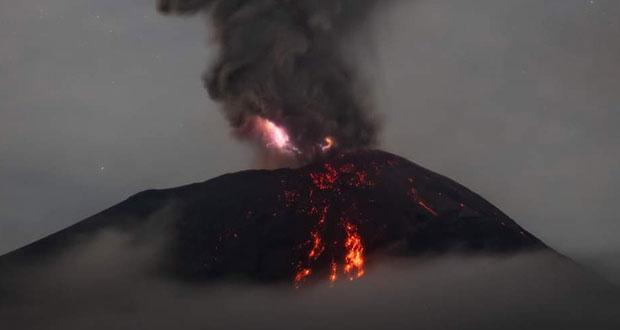 Popocatépetl despierta con explosión; columna alcanza 3 mil metros