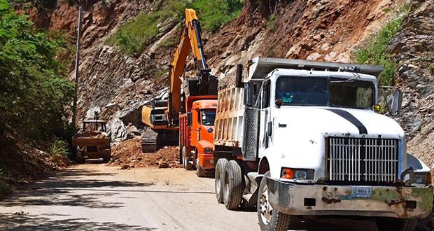Tras derrumbe por lluvias, liberan carretera Axutla-Huehuepiaxtla