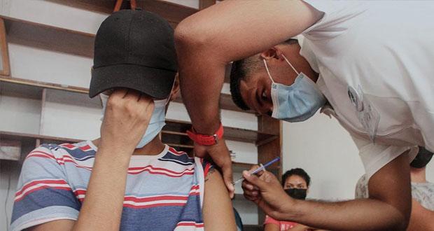 INM e IMSS inician en Chiapas vacunación a personas migrantes