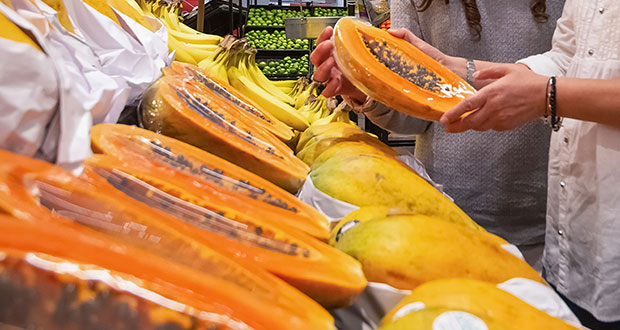 Compra frutas con certificado de inocuidad en tiendas de autoservicio