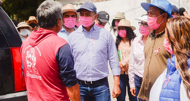 En Tlaxcalancingo, Tlatehui escucha a vecinos y afirma que regresará