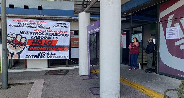 Protesta de sindicalizados de Comuna de Puebla afecta pagos de servicios
